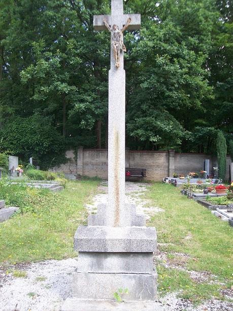 Kříž před